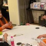 Actor Anil Kapoor plays rummy with family during lockdown!