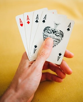 The Rummy Rule Book opens up on 'How to Play Rummy'!